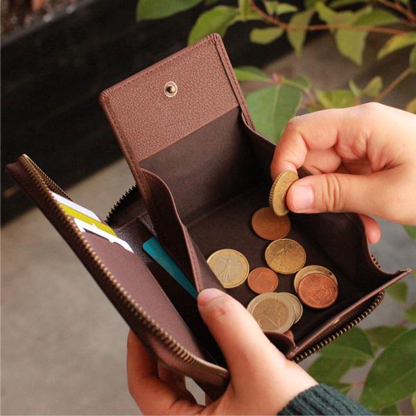 「CONNIE Zip Round Wallet Half」コルクを活用、ジッパー仕様のミドルウォレット・財布/Anewoodブランド