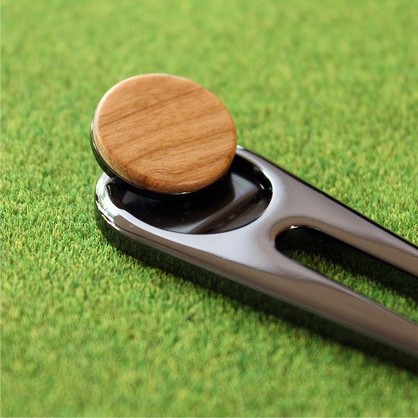 ■「Golf Green Fork」ゴルファーの必需品、木製グリーンフォーク