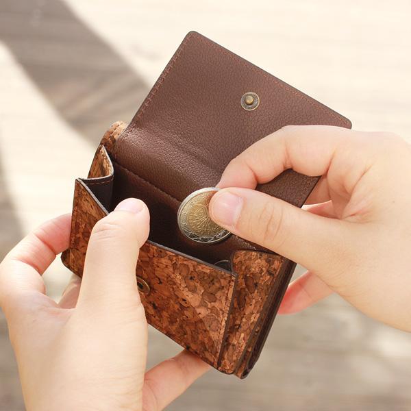 「CONNIE Triple Wallet Mini」手のひらサイズのミニマル財布/キャッシュレス中心の方におすすめ