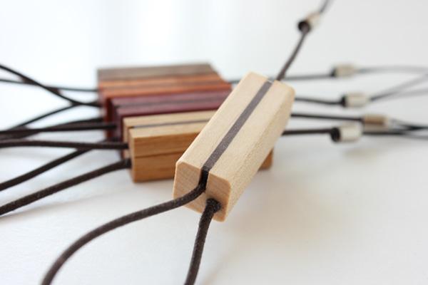 【ネット限定】【メープル・オーク・パープルハート・カリンのみ】 「Tazuna」木製ストラップ