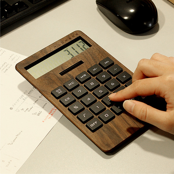 【WIDE2】「SOLAR POWERED CALCULATOR WIDE2」大判の10桁表示木製ソーラー電卓