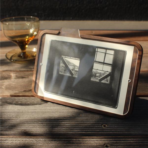 「PhotoStand」写真が簡単に交換できる写真立て、本物の無垢材を使用した木製フォトフレーム・スタンド/北欧風デザイン