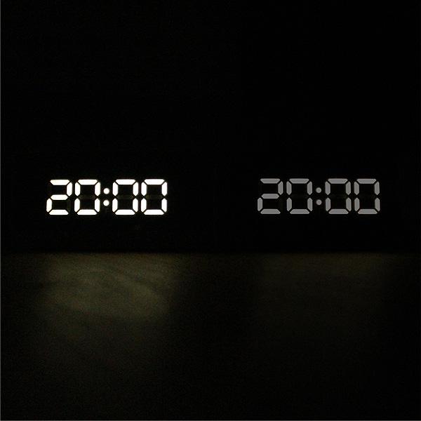 「Mirror Clock」鏡にデジタル時計が浮かび上がる幻想的な木製デジタルミラークロック