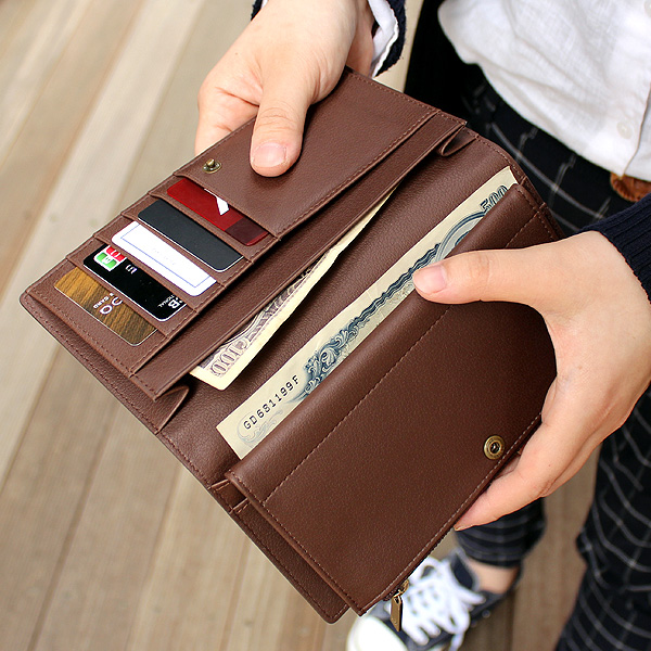「CONNIE Double Wallet」コルクレザーを活用、収納豊富な機能と軽さが魅力の長財布/Anewoodブランド/名入れ可能