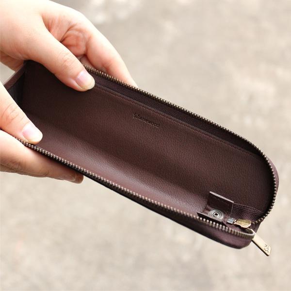 「CONNIE Twig Pen Pouch」細身で気軽に持ち運べる、シンプルなコルクレザーのペンケース/Anewoodブランド