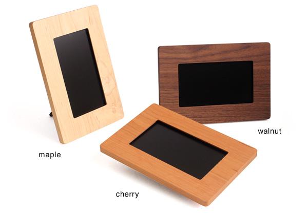 【送料無料】「Digital PhotoFrame 7inch」無垢板で作る木製のHacoaデジタルフォトフレーム。名入れしてオリジナルのプレゼントに!北欧風デザイン