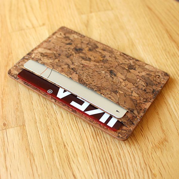 【生産終了】「CONNIE Slim Card Case」コルクレザーを活用、薄く、かさばらず、無駄のないカード入れ・カードケース
