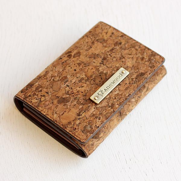 「CONNIE Multi Card Case」クレジットカード等を分類しやすい、収納豊富なカードケース