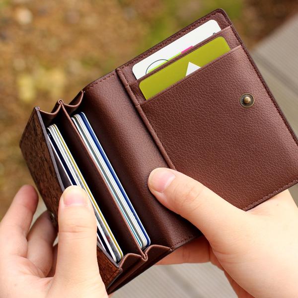 「CONNIE Multi Card Case」クレジットカード等を分類しやすい、収納豊富なカードケース/名入れ可能