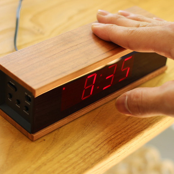 【販売終了】■【+LUMBER】LED表示のデジタルアラーム時計「DIGITAL ALARM CLOCK RED LED」