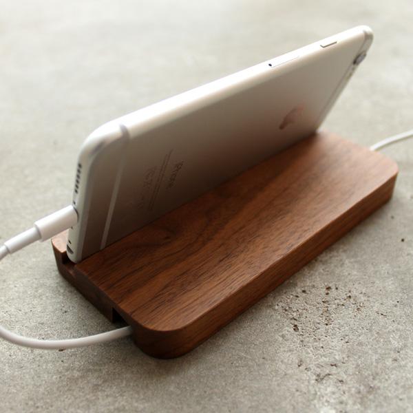 【生産終了】【+LUMBER】 【iPhone6/6 PLUS/Xperia Z3/Z4/Z5対応】木製のスマートフォンスタンド・ドック「SMARTPHONE STAND」