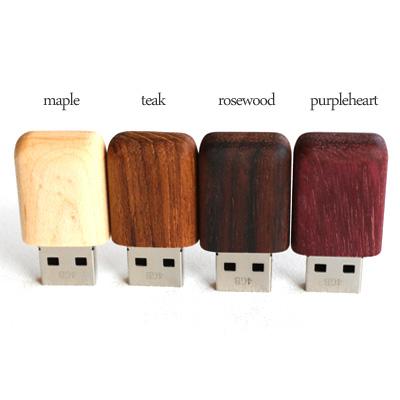 【Disney】【16GB】「Tablet Disney Characters」ディズニーキャラクターのかわいい木製USBメモリ