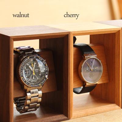 「Display Frame for Watch」額縁の様に飾る 木のウォッチスタンド/北欧風デザイン