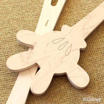 「Hand in hand Disney」ミッキーマウスの手をモチーフにした木製調理ヘラで料理の時間を楽しく