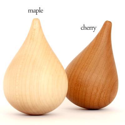 【販売終了】ゆらゆら揺れる「しずく」の形をした、木製のアロマポット「Shizuku」/北欧風デザイン