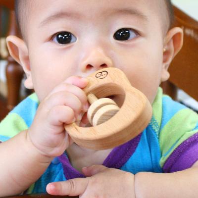 「まめのガラガラ」おもちゃのこまーむ 生まれて初めてのおもちゃに最適、木でできたガラガラ。贈り物に最適 こまむぐ Comomg