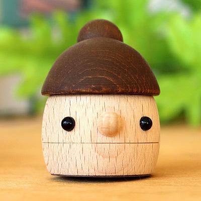 「どんぐりまま」おもちゃのこまーむ かわいく歩く木のおもちゃ こまむぐ Comomg