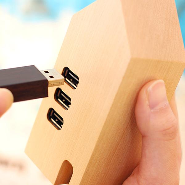 【生産終了】「USB Hub House」家の形のかわいい木製USBハブ/北欧風デザイン