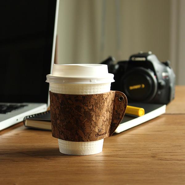 【ネット限定】「CONNIE Coffee Cup Sleeve 」日々のコーヒータイムが少し贅沢な時間になる、コルクのカップスリーブ/名入れ可能