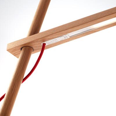 デザイン性に優れた木製LEDデスクスタンド・ライト「CLAMP MINI」