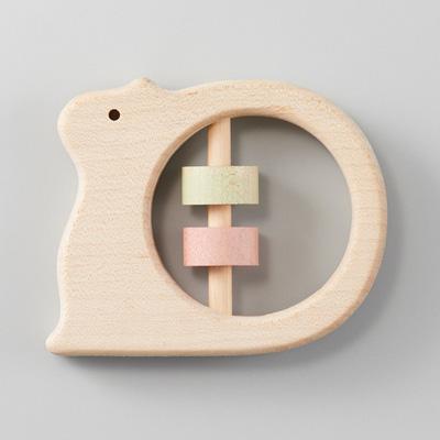 「NIHONシリーズ どうぶつラトル りす」名入れできる、日本製にこだわったりす型のかわいい木製ラトル