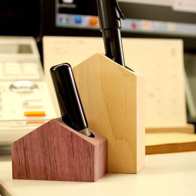 【生産終了】「HouseStand-Sサイズ」家の形のかわいい木製ペンスタンド・印鑑立て