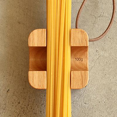 【生産終了】テーブルに置いたままパスタ・スパゲッティの量を測定、木製パスタメジャー「PastaMeasurer」