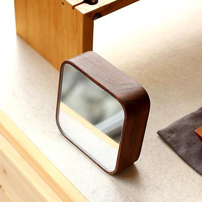 【生産終了】「BLOCK Mirror」マグネットで貼り付け。壁掛け・卓上にも使えるコンパクトな木製ミラー/Hacoaブランド
