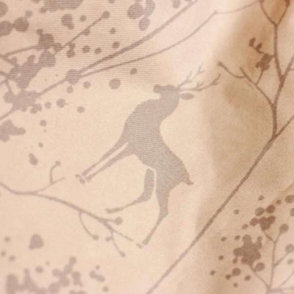「Woodland Poncho」かわいいシカが隠れたレインポンチョ・レインコート。雨の日の自転車や野外フェスに最適/男女兼用
