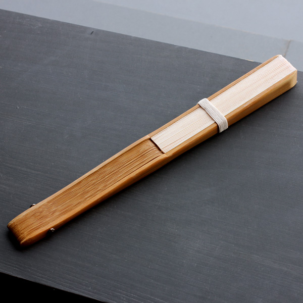 「桧の扇子+オイルセット」天然ヒノキを使用した扇子と天然オイルのセット/男性用/女性用/檜