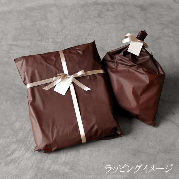 「CONNIE Oval Pouch」化粧品や小物入れに最適なコルクレザーのかわいいポーチ