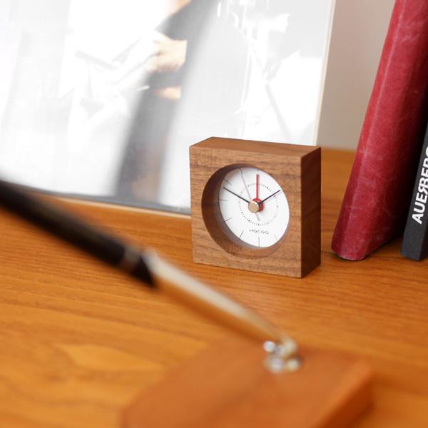 手のひらサイズのコンパクトな木製アラーム時計・目覚まし時計「BlockClock(アラーム付き)」Hacoaブランド