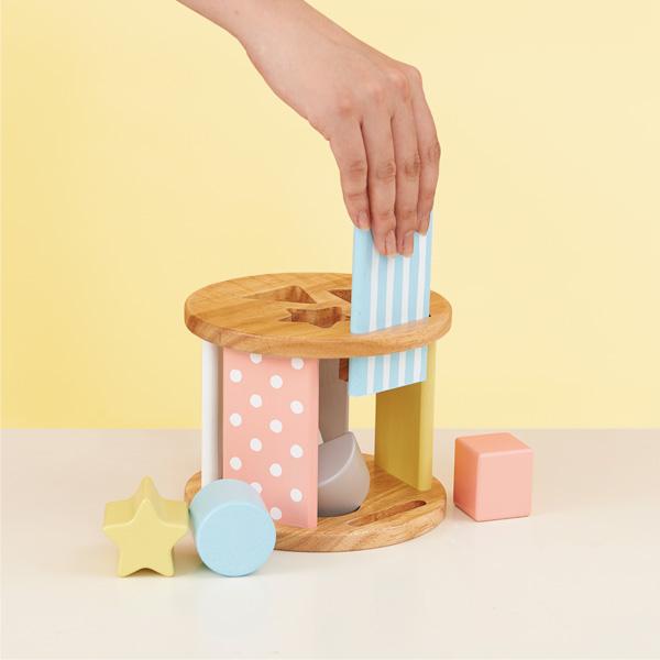 【名入れ込】「Sugar Box」色んな遊び方ができるパステルカラーのかわいい木のおもちゃ/エド・インター/Milky Toy/型はめパズル