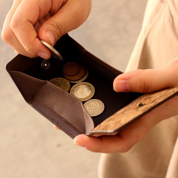 【SALE】「CONNIE Square Coin Purse」手のひらやポケットにも収まるコンパクトなコインケース/名入れ可能