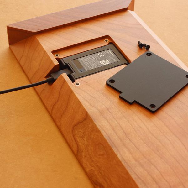 【ネット限定】「Wooden Superior Stand for Xperia」上質な空間を作り出す木製スマートフォンステーション【Xperia XZ/ XZs / X Compact 対応】