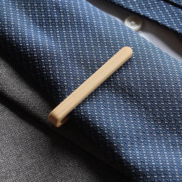 【プレミアム】「Tie Bar(黒檀)」 本物の木から削り出した芸術品のような木製ネクタイバー・ネクタイピン
