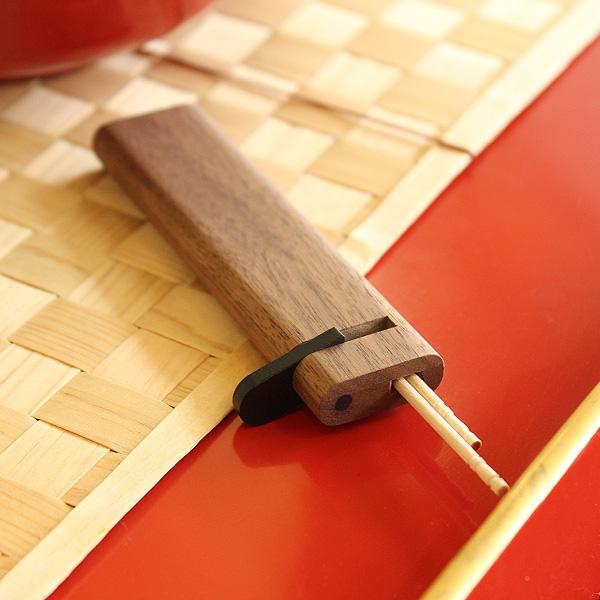 「Toothpick Holder」木製の携帯爪楊枝入れ・つまようじケース
