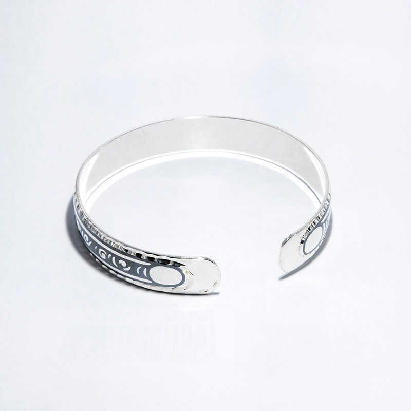 KUBACHI Jewelry / Silver Bangle / 本体価格34,800円