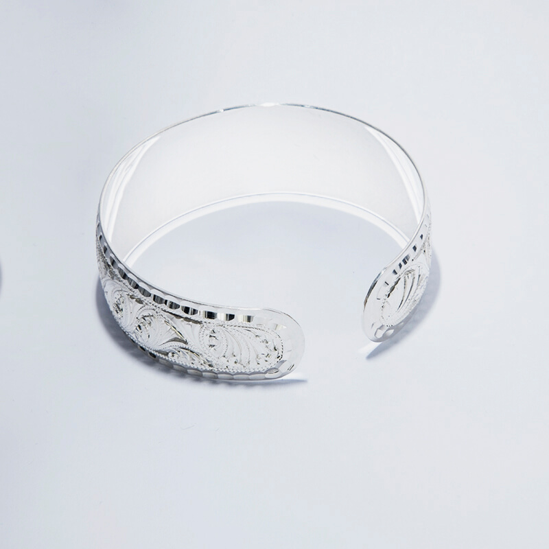 KUBACHI Jewelry / Silver Bangle / 本体価格69,800円