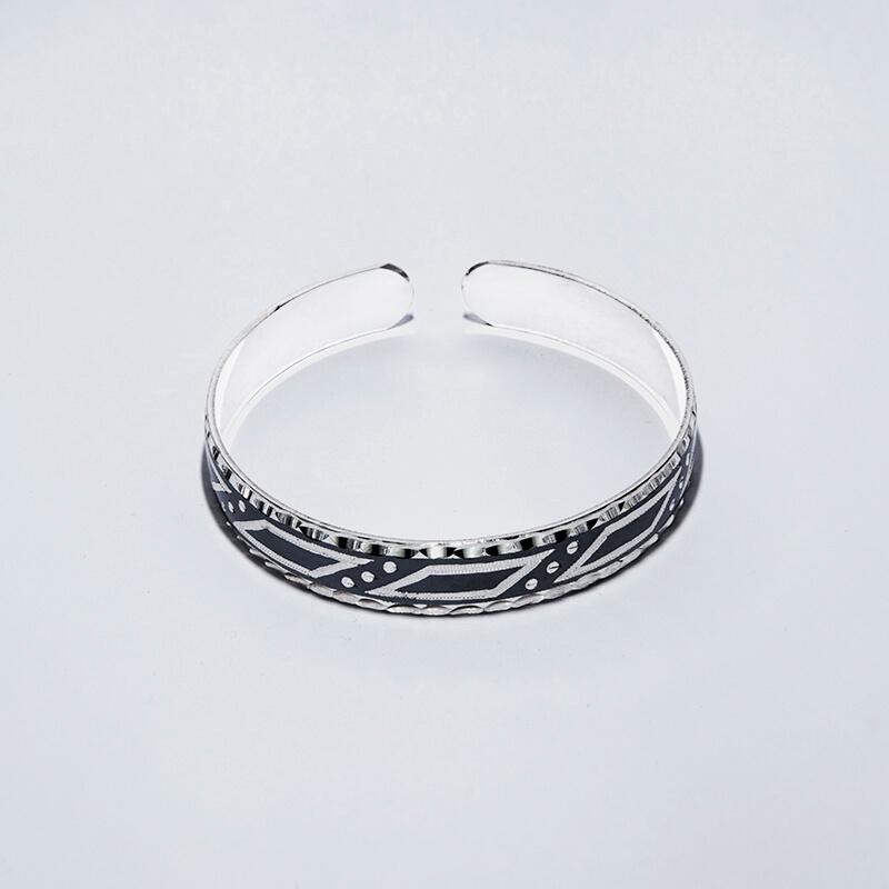 KUBACHI Jewelry / Silver Bangle / 本体価格34,800円
