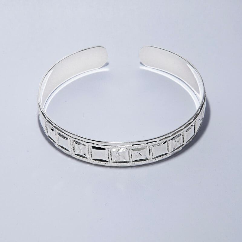 KUBACHI Jewelry / Silver Bangle / 本体価格49,800円