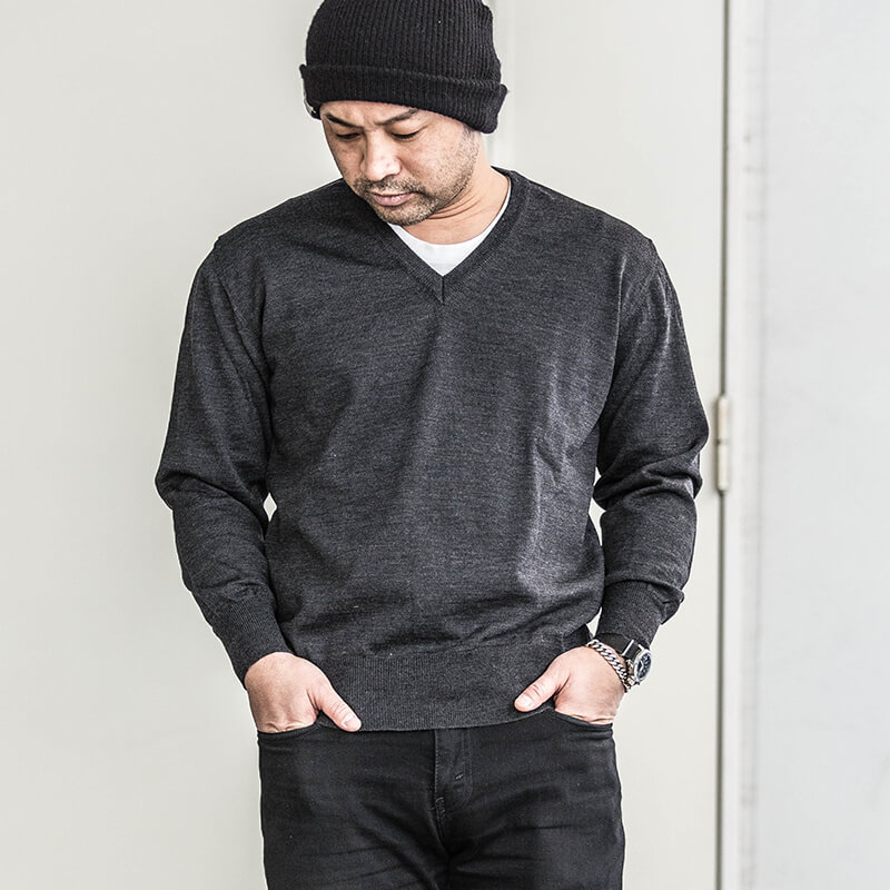 Italian Military / Deadstock / V-Neck Knit