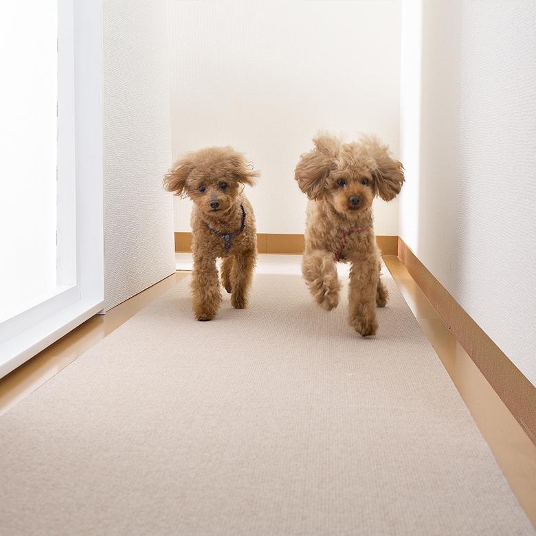 ペットマット おくだけ吸着 ペット用 撥水 滑り防止 ロング タイルマット 滑らない 犬用マット 60x300cm 厚み約4mm 滑り防止 床暖房対応 ズレない 日本製