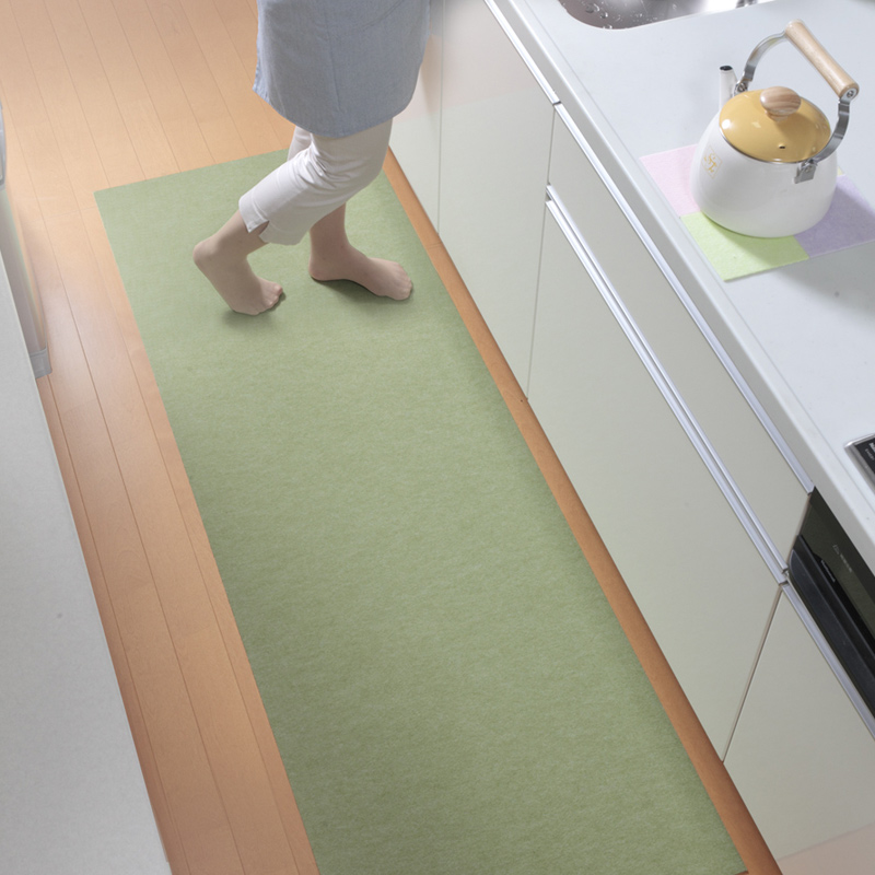 キッチンマット 60×120cm 台所 マット 撥水 洗える 滑り止め ずれない おしゃれ 北欧 薄い  おくだけ吸着 サンコー 日本製