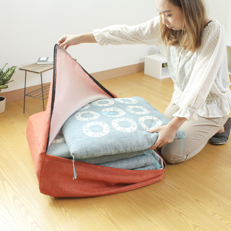収納袋  かけ布団 収納ケース かけ布団がクッションになる ふとん収納袋 クッションカバー 60x60x20cm 便利 おしゃれ 持ち手つき