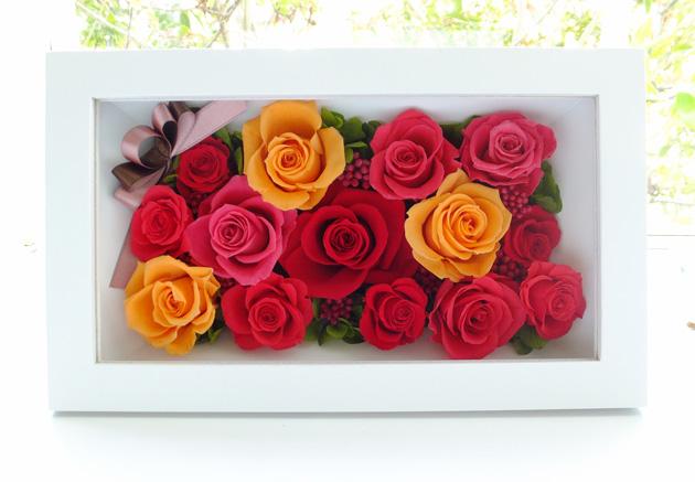 160410 赤、オレンジ、濃いピンクバラと白い壁掛け オーダーメイドプリザーブドフラワー