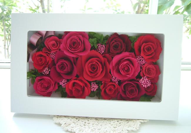 131002 赤系バラと白い壁掛け オーダーメイドプリザーブドフラワー