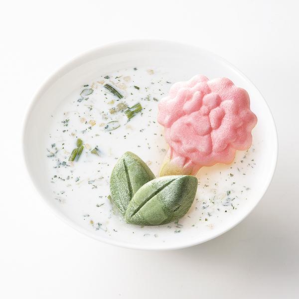 スープ :冷たい牛乳で作るアスパラポタージュ