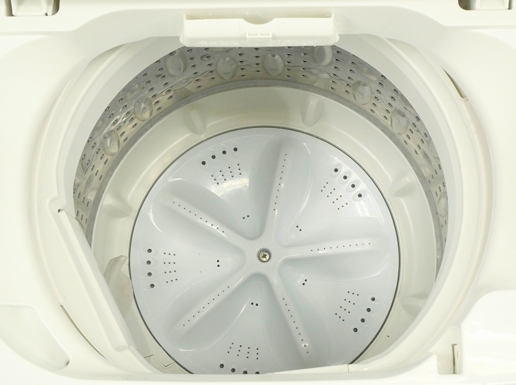 Haier製/2013年式/6kg/全自動洗濯機/AQW-S601●