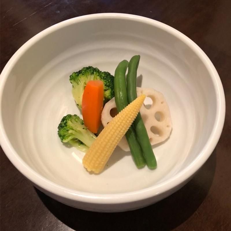 イエロースパイス 骨付きチキンのスープカレー (辛さ:普通) 1食 ミシュラン ビブグルマン